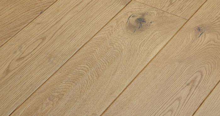 Luxury Handscraped Natural Oak Lacquered Solid Wood Flooring - Descriptive 1