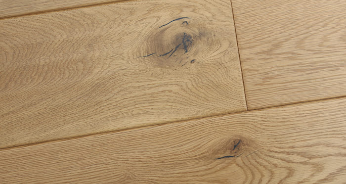 Luxury Handscraped Natural Oak Lacquered Solid Wood Flooring - Descriptive 3