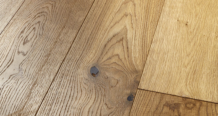 Old Country Golden Smoked Oak Brushed & Lacquered Engineered Wood Flooring - Descriptive 1