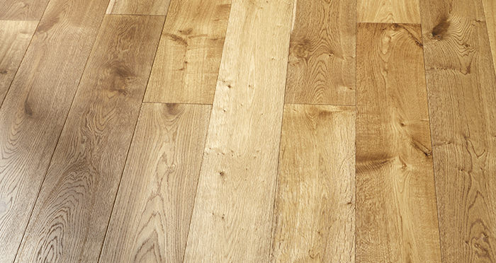 Old Country Golden Smoked Oak Brushed & Lacquered Engineered Wood Flooring - Descriptive 2