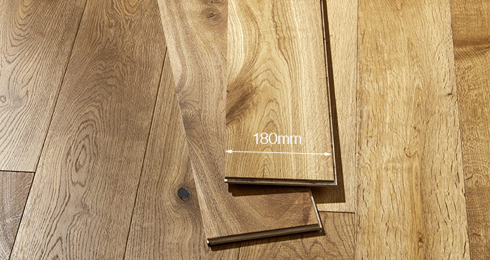 Old Country Golden Smoked Oak Brushed & Lacquered Engineered Wood Flooring - Descriptive 4
