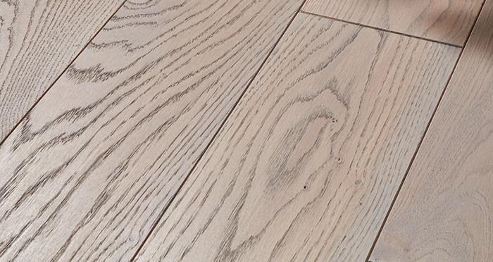 Deluxe Silk Grey Oak Solid Wood Flooring - Descriptive 1