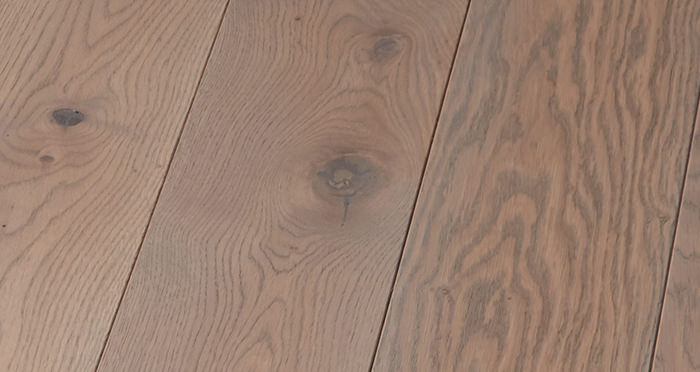Deluxe Silk Grey Oak Solid Wood Flooring - Descriptive 2