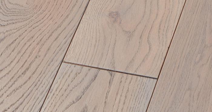 Deluxe Silk Grey Oak Solid Wood Flooring - Descriptive 4