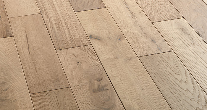 Studio Vanilla Oak Brushed & Oiled Engineered Wood Flooring - Descriptive 2