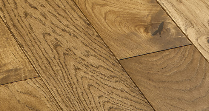 Elegant Georgian Oak Brushed & Oiled Solid Wood Flooring - Descriptive 4