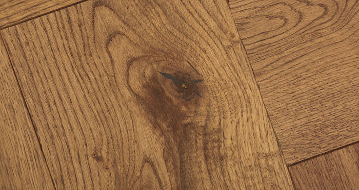 Prestige Herringbone Cinnamon Oak Oiled Engineered Wood Flooring - Descriptive 3