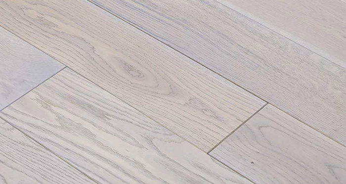 Luxury Silk Grey Oak Solid Wood Flooring - Descriptive 4