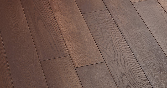 Chocolate Oak 125mm Oiled Solid Wood Flooring - Descriptive 2