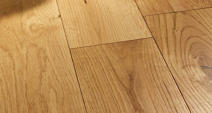 Prestige Caramel Oak Solid Wood Flooring - Descriptive 1