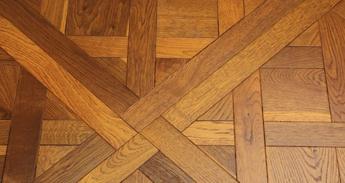 Montpellier Golden Smoked Oak Brushed & Oiled Engineered Wood Flooring - Descriptive 4