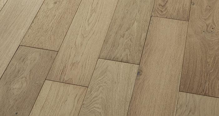 Loft Vanilla Oak Brushed & Oiled Engineered Wood Flooring - Descriptive 2