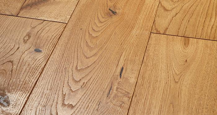 Prestige Golden Oak Solid Wood Flooring - Descriptive 1