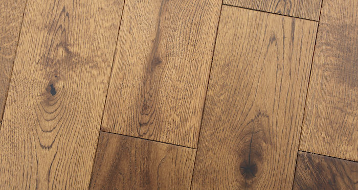 Studio Honey Oak Lacquered Engineered Wood Flooring - Descriptive 6