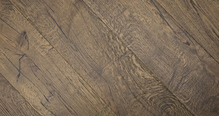Rich Bourbon Oak Brushed & Lacquered Engineered Wood Flooring - Descriptive 6