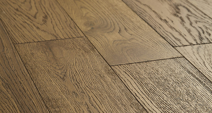 Loft Deep Golden Oak Brushed & Oiled Engineered Wood Flooring - Descriptive 1