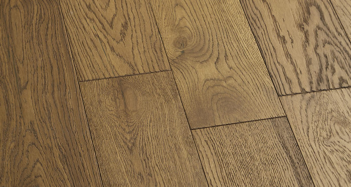 Loft Deep Golden Oak Brushed & Oiled Engineered Wood Flooring - Descriptive 4