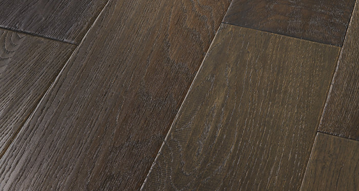 Manhattan Cellar Oak Brushed & Lacquered Engineered Wood Flooring - Descriptive 1