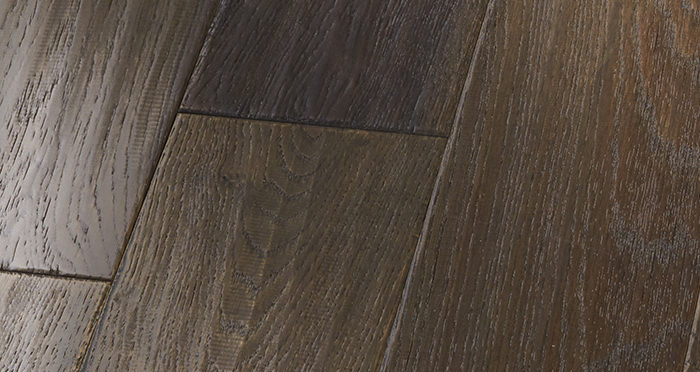 Manhattan Cellar Oak Brushed & Lacquered Engineered Wood Flooring - Descriptive 2
