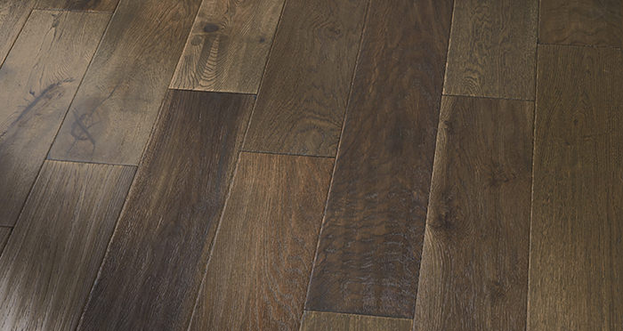 Manhattan Cellar Oak Brushed & Lacquered Engineered Wood Flooring - Descriptive 4