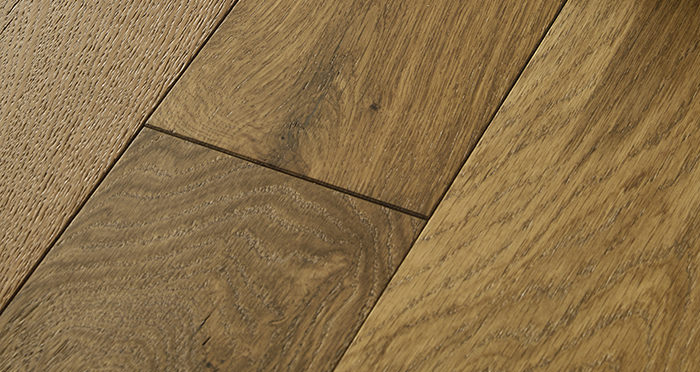 Loft Golden Smoked Oak Brushed & Lacquered Engineered Wood Flooring - Descriptive 1