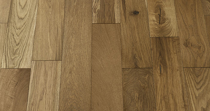 Loft Golden Smoked Oak Brushed & Lacquered Engineered Wood Flooring - Descriptive 2