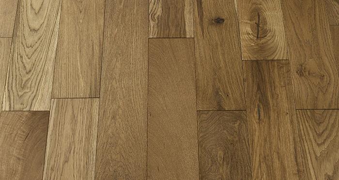 Loft Golden Smoked Oak Brushed & Lacquered Engineered Wood Flooring - Descriptive 2