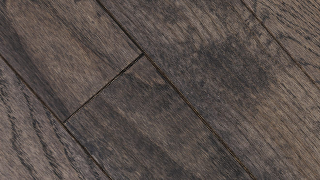 Classic Oak Espresso Brushed & Oiled Solid Wood Flooring - Descriptive 4